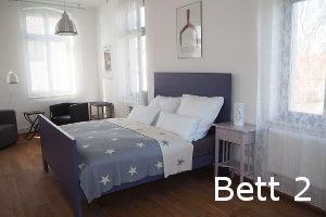 Blaues Bett Gästezimmer 2